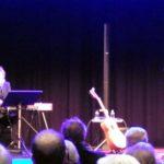 Jojje Wadenius och Lennart Simonsson i en skön konsert med musik för unga och gamla själar. (Foto: Håkan Johansson)