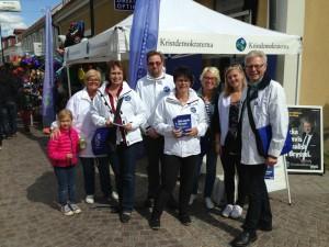 Glada kristdemokrater som EU-kampanjar på Mönsterås marknad