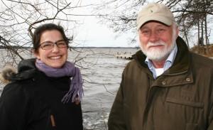 Rebecca Ijäs och Gunnar Gidlund tipsar om smultronställen.