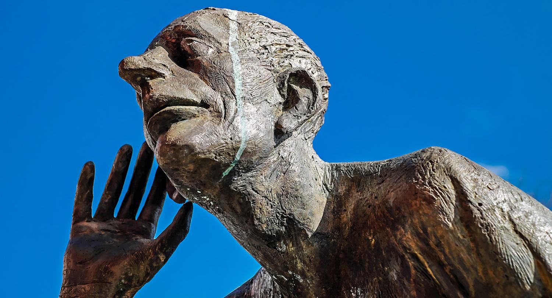 Skulptur som lyssnar