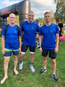 Ulf, Emil och Simon före start av kommun triathlon