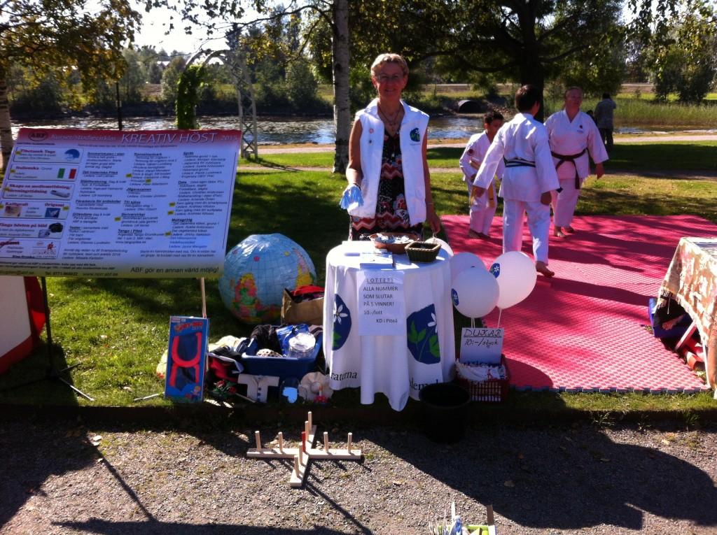Kristdemokraternas bord på Föreningarnas dag 2015