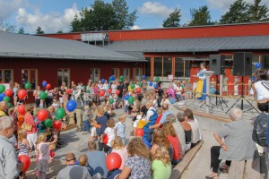 Invigning av Breviks skola. Rektor Anna Hansson-Bittar