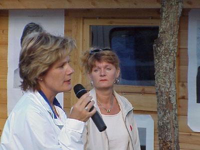 Maria Larsson (KD) och Carina Hägg (S) debatterade på Flanaden i Värnamo. (Foto: Håkan Johansson)