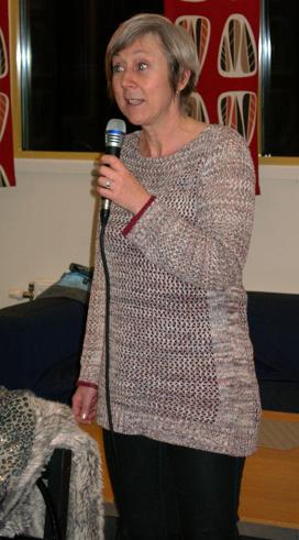 Annelie Hermansson berättade om verksamheterna på träffpunkt Vråen. (Foto: Håkan Johansson)