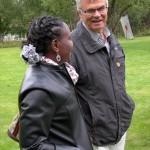 Kommunkandidaterna Evanjeline Eriksson och Lars-Evert Jonsson hade en del att prata om. (Foto: Håkan Johansson)