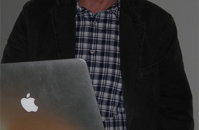 Gunnar Crona redovisar ekonomin. (Foto: Håkan Johansson)