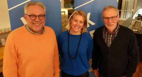 Arnold Carlzon presenterade kandidaterna, Stina Sinclair ställde dem emot väggen och Gunnar Crona höll ihop kandidatutfrågningen med medlemsomröstning. (Foto: Håkan Johansson)